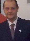 """ROBERTO AMOROSO Roberto Amoroso, inizia la sua carriera a 15 anni nel 1976 al Caffè Excelsior di Portofino , durante le vacanze estive  , nel 1978 si diploma all'IPSAR """" Magnaghi """" di Salsomaggiore Terme, lavora a Duesseldorf circa un anno, poi si trasferisce a Londra per apprendere la Lingua, rientrato in Italia si trasferisce a Rimini, nel 1984 conosce il Maestro Peppino Manzi , nel 1987 si iscrive all'AIBES e nel 2000 alla S.B.U., alternando le stagioni estive in Riviera Romagnola e Madonna di Campiglio, ha lavorato all' Hotel Atlantic di Riccione, al Savioli Spiaggia sempre a Riccione, Baia Imperiale Gabicce, Stork Club Madonna di Campiglio,Hotel Hermitage Isola d'Elba, Hotel Mont Cervin Zematt, Hotel les Sources des Alpes, Grand Hotel Park Gstaad ."""