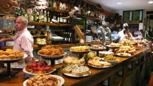 Il moderno aperitivo prevede spesso un buffet