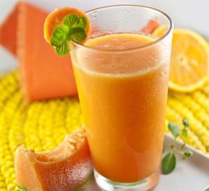 Uno smoothie a base di arancia