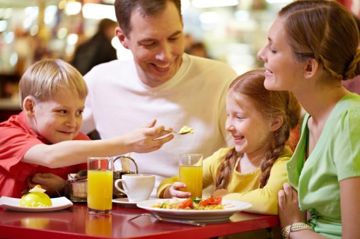 bambini-al-ristorante