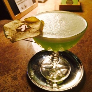Disidratate la frutta ed usatela per decorare i vostri cocktail
