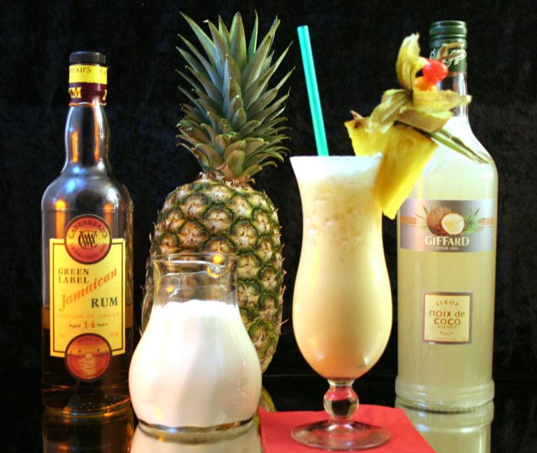 Storia, ricetta e varianti di uno dei cocktail Tiki più famosi al mondo