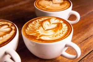 Caffè e cappuccino sono le bevande calde più consumate dagli italiani